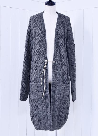 手編みロングカーデ